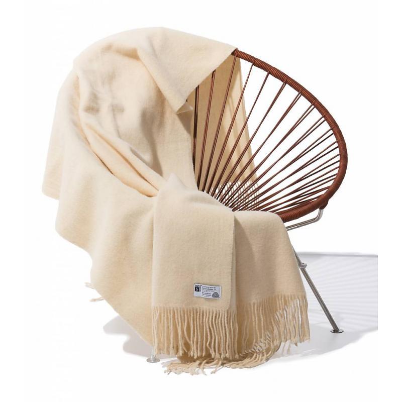 Blanket Merino wool Fair Furniture with Condesa chair