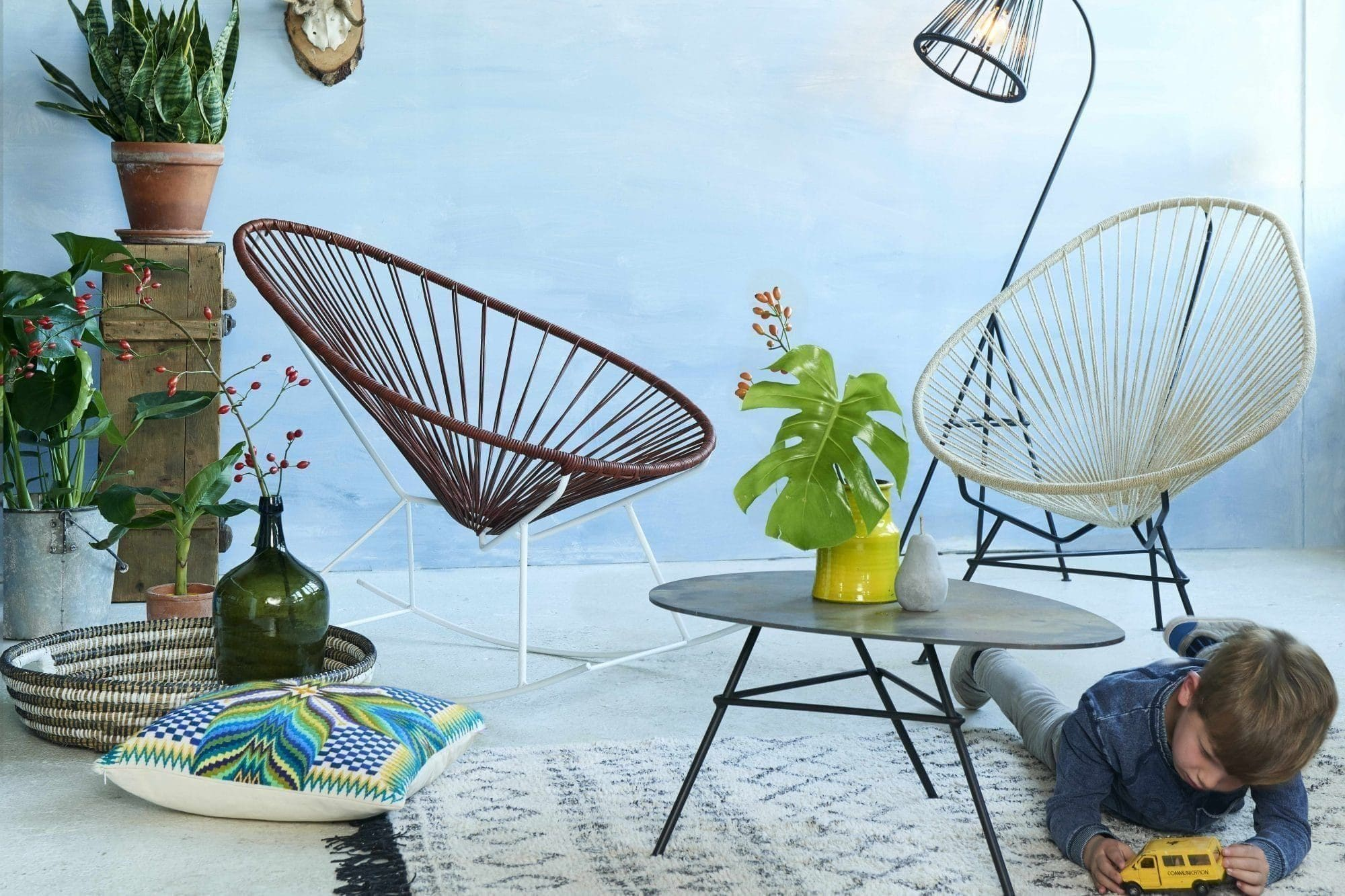 free fair furniture rocking chair photo shoot with sedia acapulco