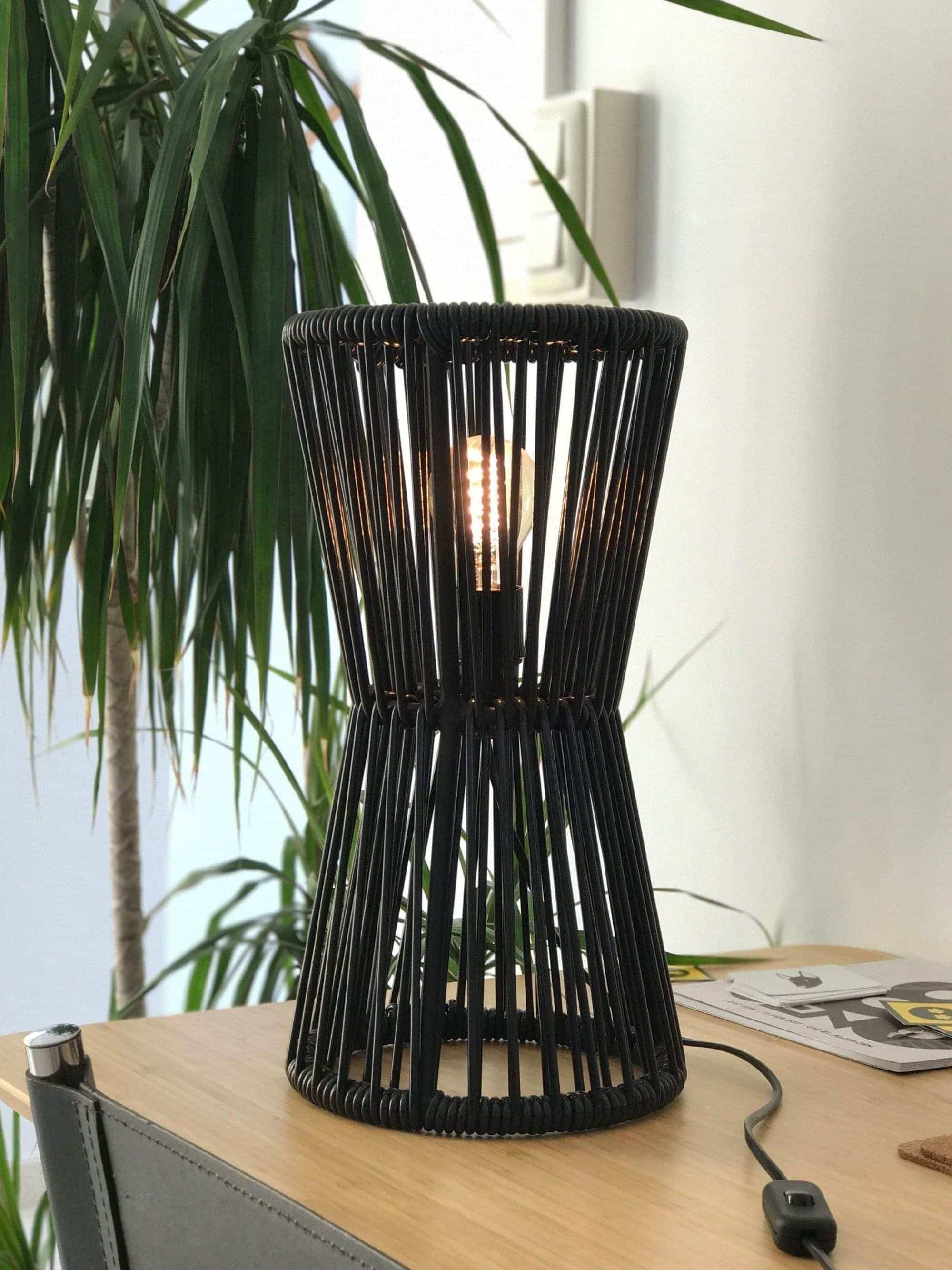 Totem_lamp_fairfurniture_black_office